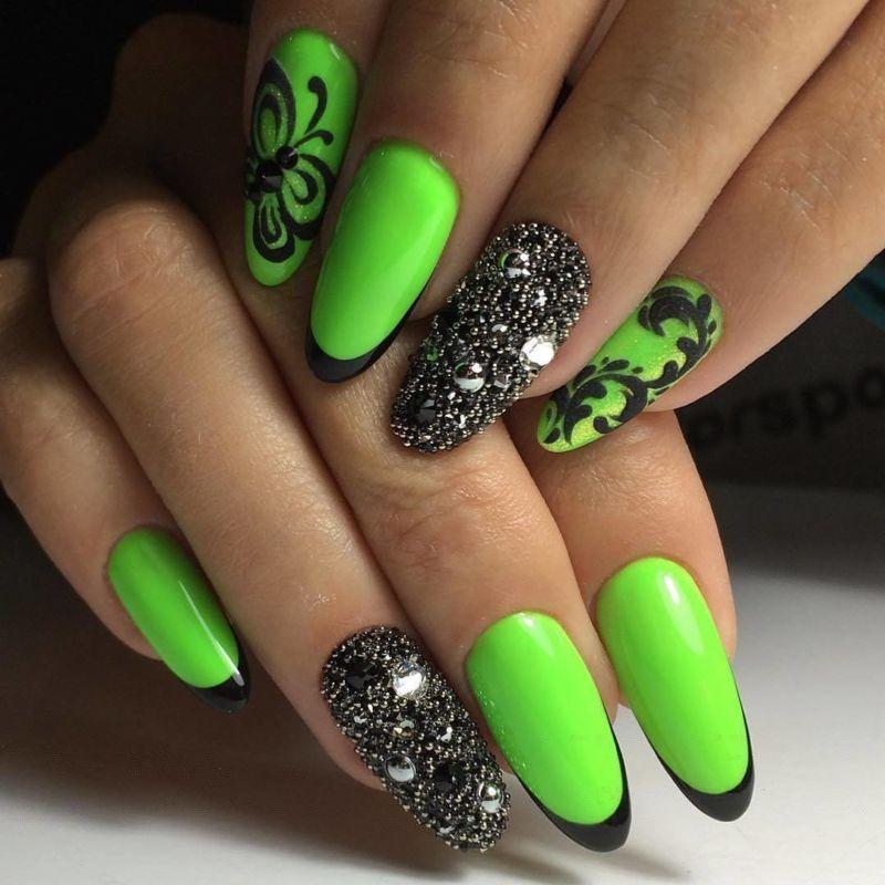 Дизайн ногтей на Новый год 2020, лучшие идеи, фото, новинки