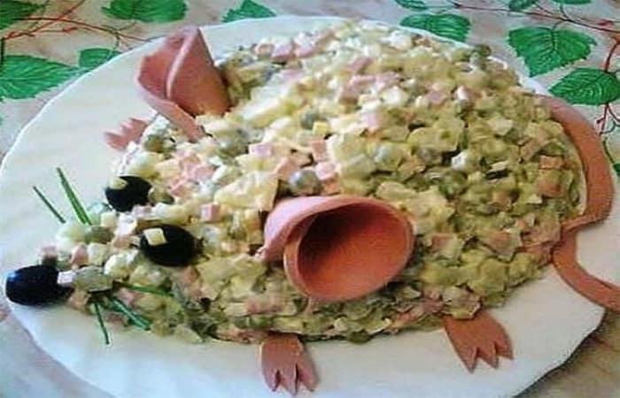 Салат в виде Крысы на Новый год 2020